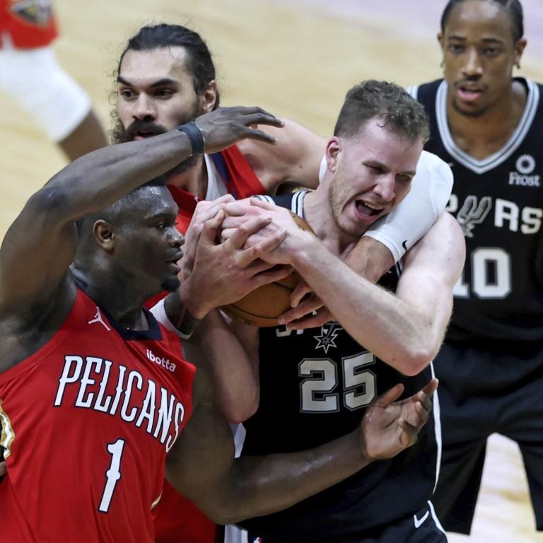 APTOPIX Spurs Pelicans Basketball