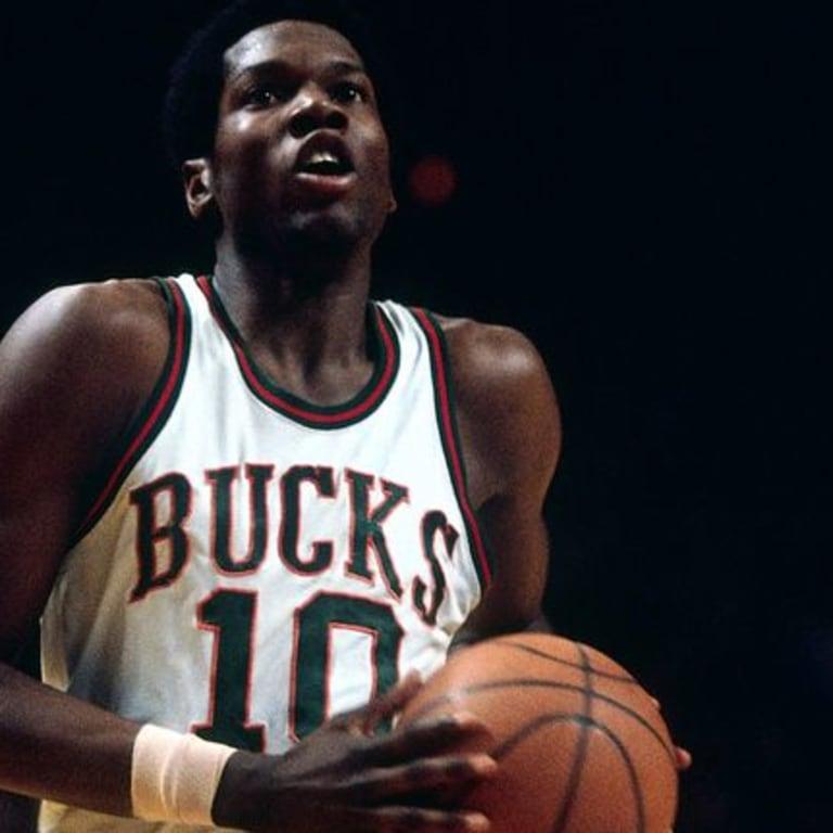 PI-NBA-Bob-Dandridge-21115.vadapt.767.high.86-1