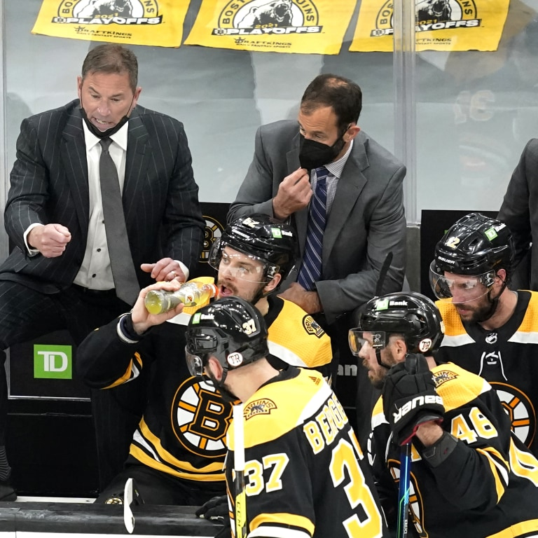 Islanders Bruins Hockey