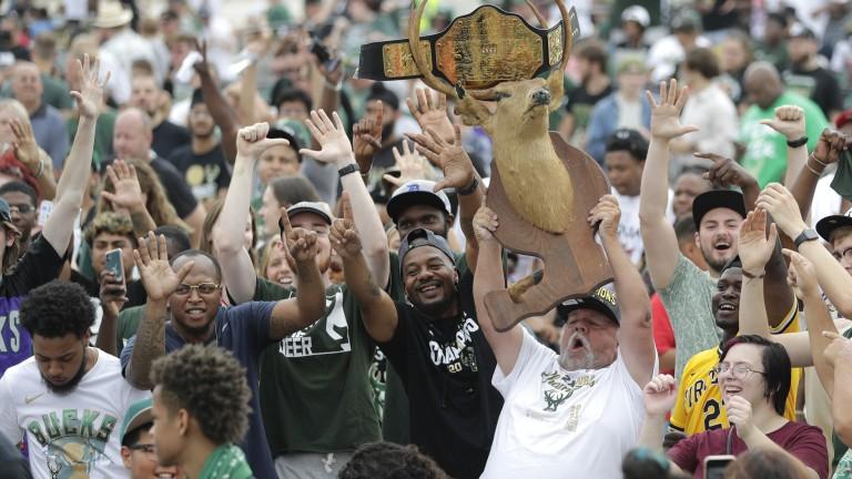 Bucks Parade Basketball