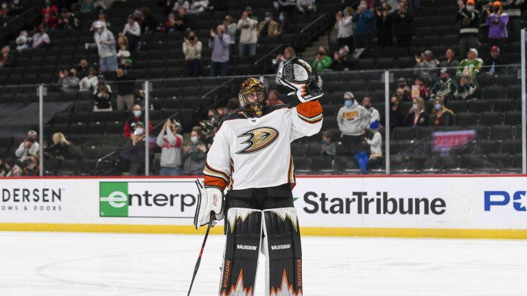 Ducks Wild Hockey