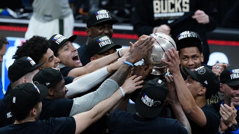 APTOPIX Bucks Hawks Basketball