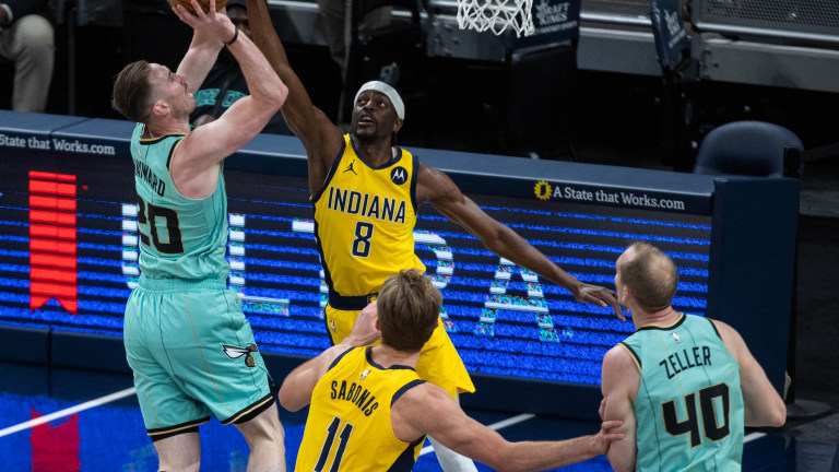 indiana-pacers-justin-holiday-040221