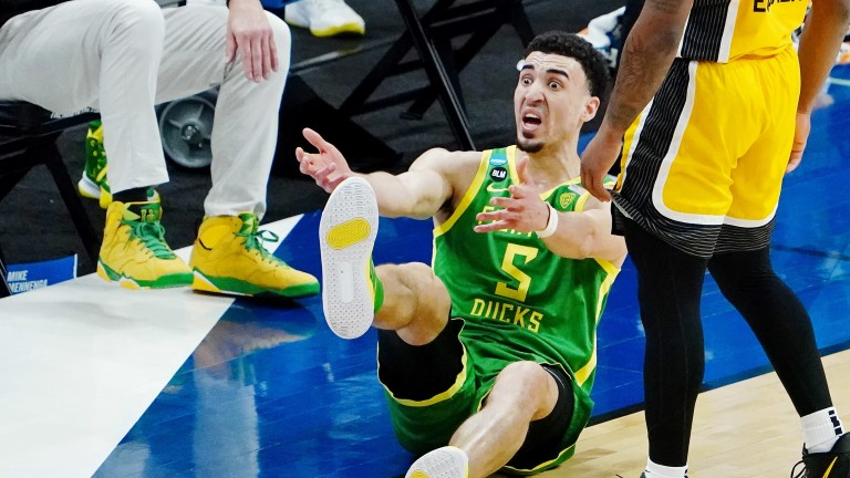 Oregon's Chris Duarte reacts after a play. (Kirby Lee-USA TODAY Sports)