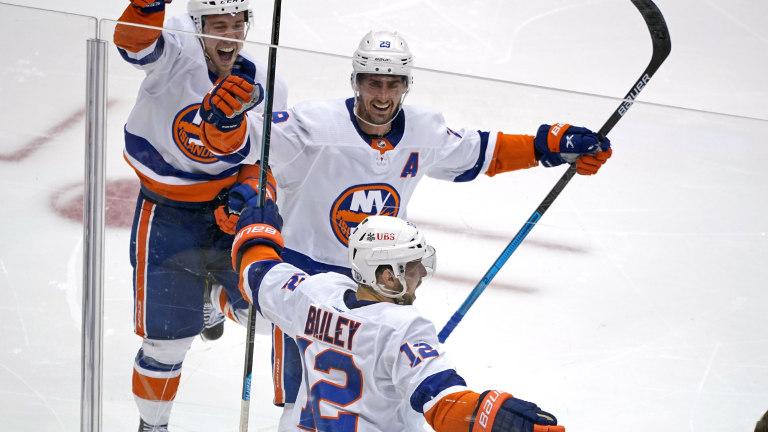 Islanders Penguins Hockey