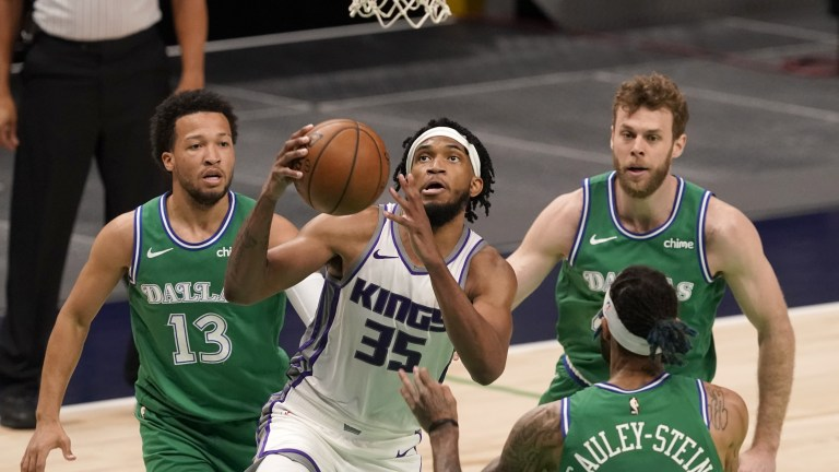 Kings Mavericks Basketball