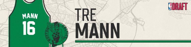 16_boston_celtics_mann_banner_00000
